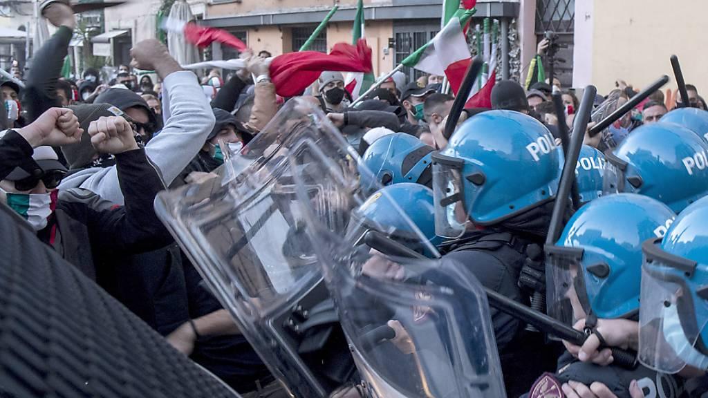 Proteste gegen Corona-Politik: Ausschreitungen in Rom