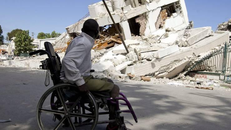 Nach dem verheerenden Erdbeben in Haiti im Jahr 2010 waren viele Menschen in die USA geflüchtet - nun soll ihr Sonderstatus in den Vereinigten Staaten auslaufen. (Archivbild)