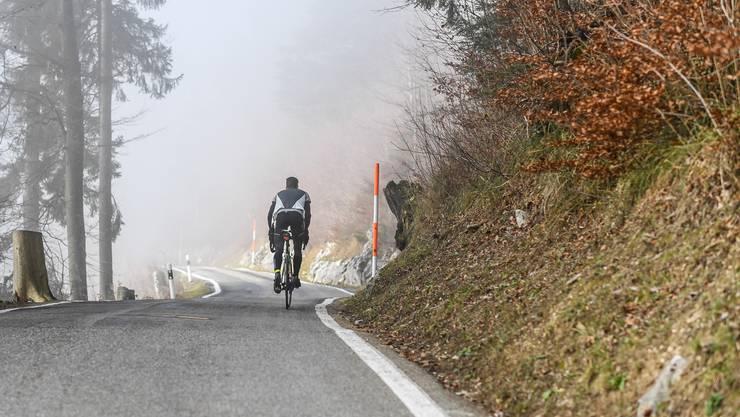 Nicht alle Biker fahren auf den erlaubten Strassen den Berg hinunter – auch weil eine offizielle Strecke fehlt.