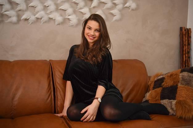 Viviana Cali (16), Grenchner Nachwuchstalent, absolviert als jüngste Schülerin die Stage School in Hamburg Foto: Oliver Menge