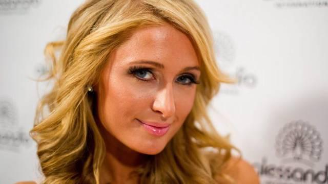 """Findet Hunde mit farbigen Krallen """"süss"""": Paris Hilton"""