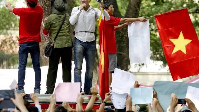 Vietnamesen demonstrieren gegen China