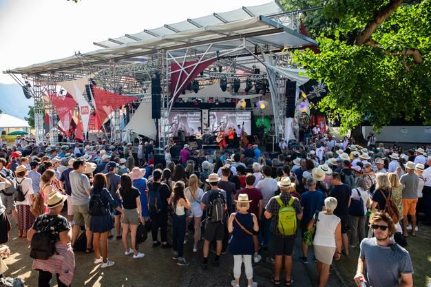 Hier wurde ein dichtes Programm an Solothurner Musik und Tanz geboten