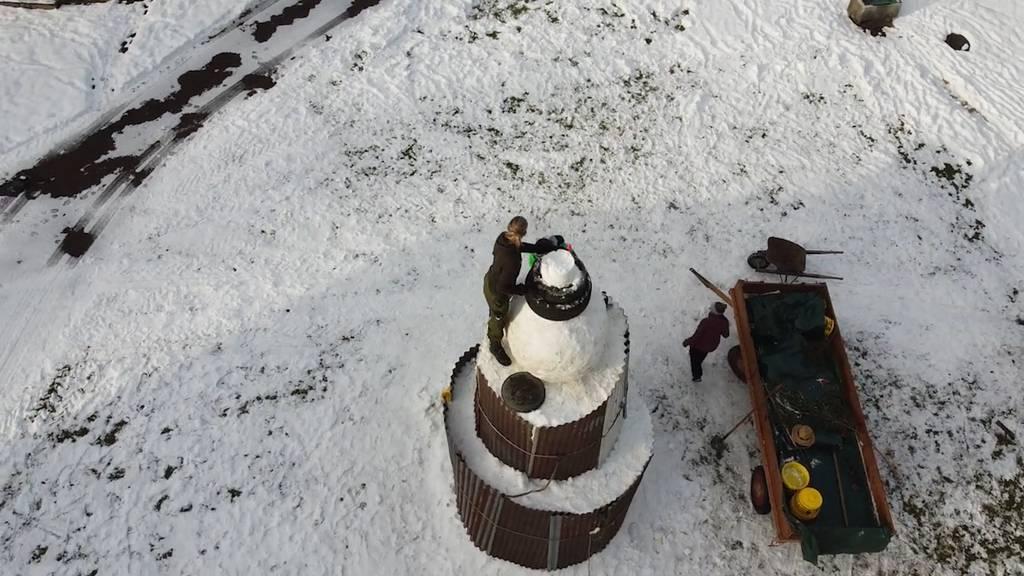 So entstand der riesige Schneemann «Paul»