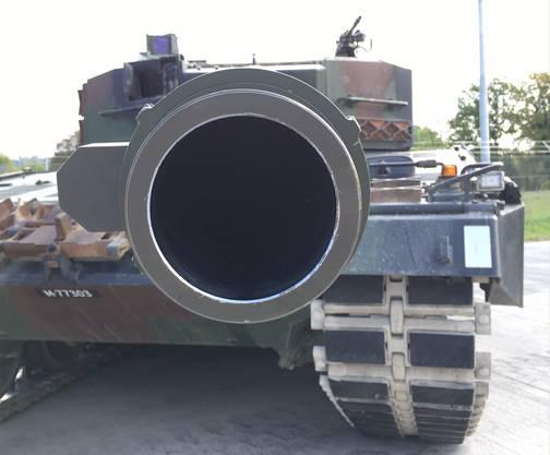 Mündungsrohr eines Leopard-Kampfpanzers.