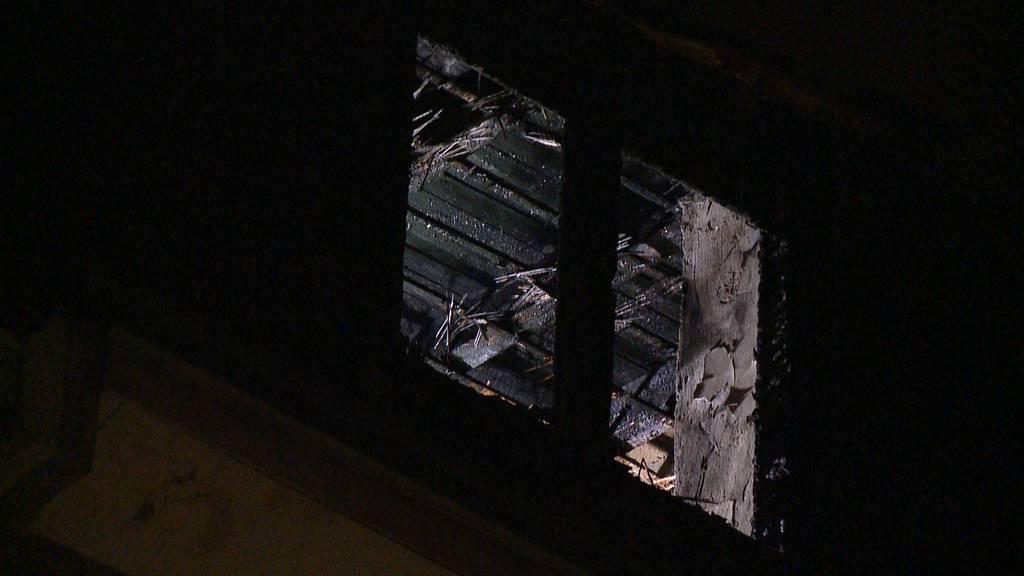 Dachwohnungsbrand im Kreis 10: Drei Personen verletzt