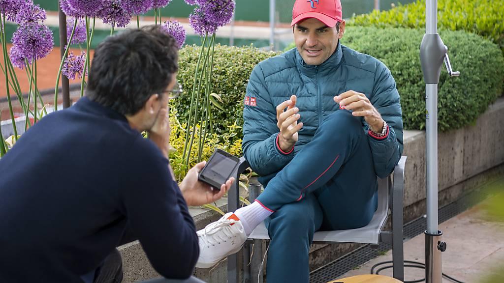 Roger Federer steht in Genf Red und Antwort.