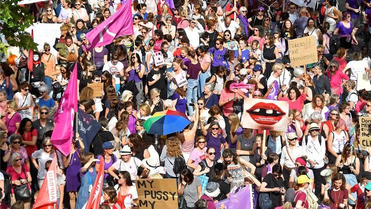 Der Frauenstreik trug zur Zunahme der Kandidatinnen bei. Bild: key