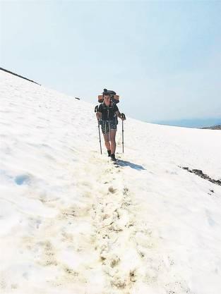 Die verschneiten Berge der Sierra Nevada rauben einem viel Kraft.
