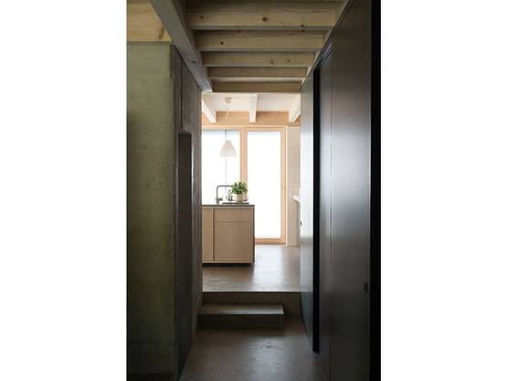 Räumlich Kunstgriffe machen aus dem Haus ein  architektonisches Meisterwerk.