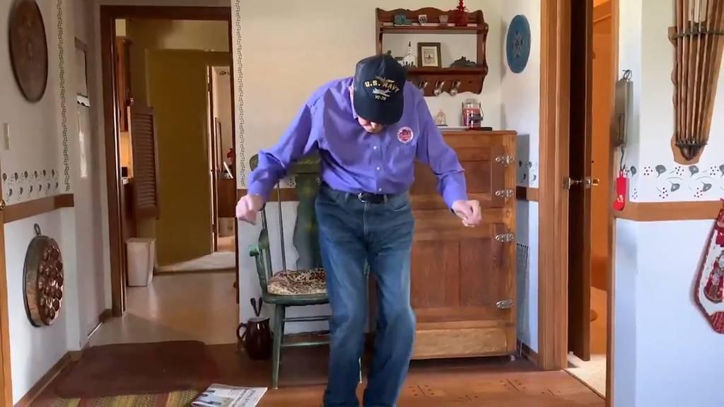 Dancing Chuck ist zurück - mit neustem Tanzvideo