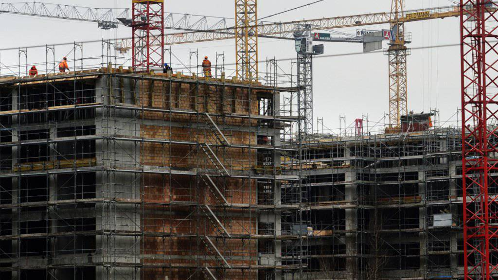 Die Schweizer Bauwirtschaft ist gut ins Jahr gestartet. Der Hochbau dürfte im ersten Quartal um 5,5 Prozent zulegen. (Themenbild)