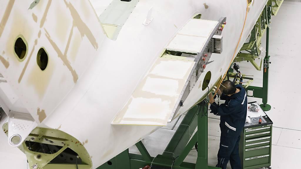 Kunststoffhersteller Gurit liefert weiterhin Teile für den Bau von Pilatus-Flugzeugen (Archivbild)