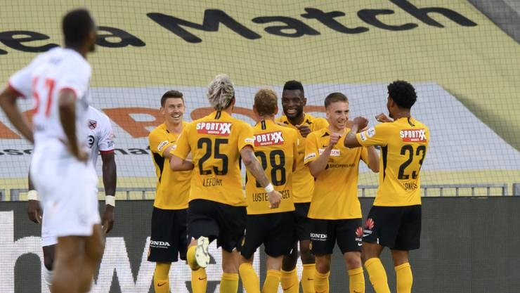 Tore, Tore, Tore: Die Young Boys kommen gegen Xamax nicht mehr aus dem Feiern heraus