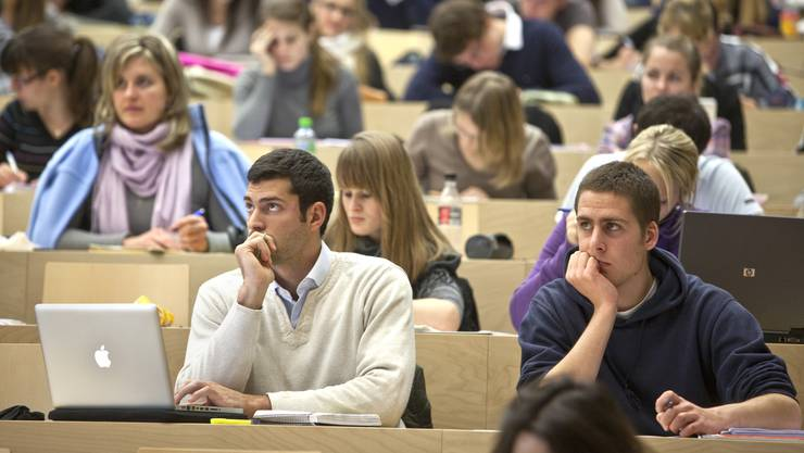 Das neue Stipendiengesetz sieht vor, dass Studierende, die ein Stipendium beziehen, sich damit gleichzeitig auch verschulden.
