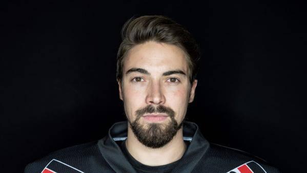 Torhüter Damian Osterwalder verlängert beim EHC Basel.