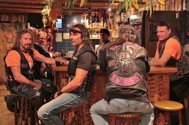 In ihrem Clubhaus bleiben für eingefleischte Harley-Fans keine Wünsche offen – selbst Whiskey-Kenner dürften überrascht sein.