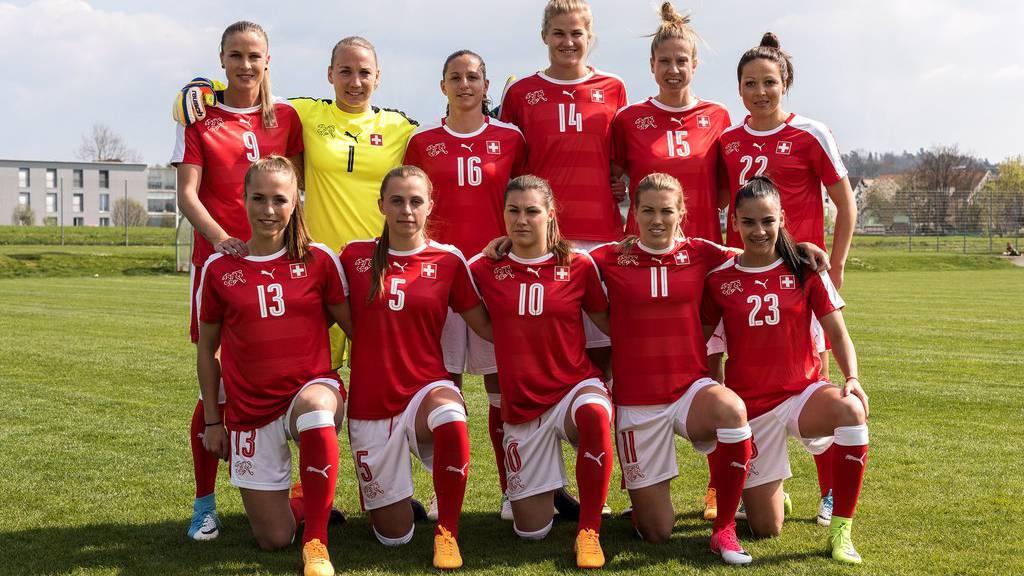 Das Schweizer Frauen Fussball-Nationalteam ist bereit für Holland (Archivbild April 2017).