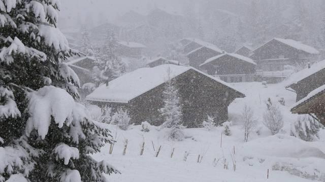 Mit kräftigem Schneefall meldet sich der Winter in der Höhe zurück