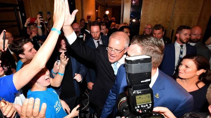 Australiens konservativer Premierminister Scott Morrison feiert seinen Wahlsieg.