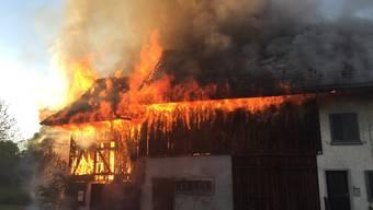 Beim Brand entstand ein Schaden von mehreren hunderttausend Franken.
