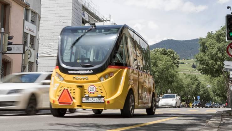 In Sion fahren seit 2016 autonome Kleinbusse im Testbetrieb «SmartShuttle».