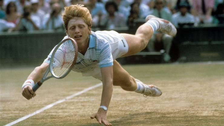 Als jüngster Tennisspieler aller Zeiten (er war erst 17 Jahre alt) gewann Boris Becker im Juli 1985 spektakulär das bedeutendste Tennisturnier der Welt in Wimbledon gegen Kevin Curren.