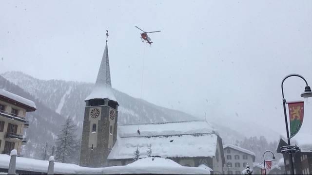 9000 Touristen in Zermatt eingeschneit