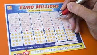 Der Glückspilz hat am Dienstagabend 94,2 Millionen Franken gewonnen (Archiv).