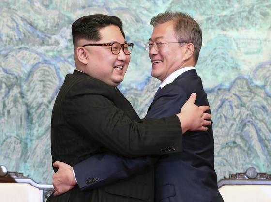 Kim Jong Un und Moon Jae-in.