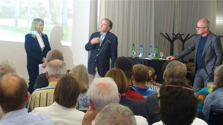 Architekt Pierre de Meuron (r.) diskutierte zusammen mit Psychiater Hanspeter Flury über das Thema «Bauen in der Zukunft».