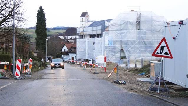 Der Gemeinderat Herznach hat nun kurzfristig entschieden, dass auf der Bergwerkstrasse mit dem Bau zur Verbesserung der Verkehrssicherheit begonnen werden soll. – Foto: chr