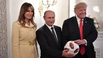 Donald Trump und Wladimir Putin trafen sich am Montag in Helsinki. Trump wurde von Gattin Melania begleitet.