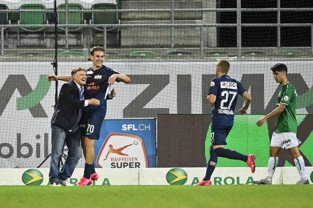 FCZ-Präsident Ancillo Canepa bejubelte im Juli zusammen mit Benjamin Kololli das 3:0 gegen St. Gallen.
