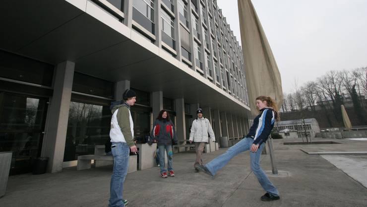 An der Berufsschule Aarau ist momentan pauken für die LAP angesagt.