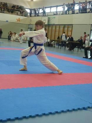 Dennis Petraccaro von der Shinsei Kan Karateschule im Kata.