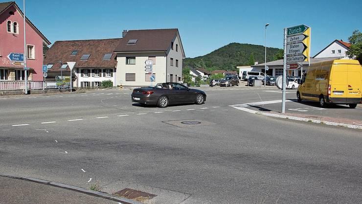 An der Kreuzung Bözbergstrasse/Bahnhofstrasse ist ein Kreisel vorgesehen.