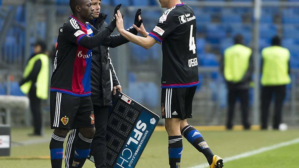 Bitter für den FCB-Aussenverteidiger: Philipp Degen wird bei seinem Comeback nach fünfmonatiger Verletzungspause ausgewechselt
