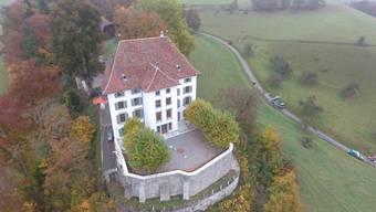 Das Schloss Rued wird momentan aufwändig restauriert.
