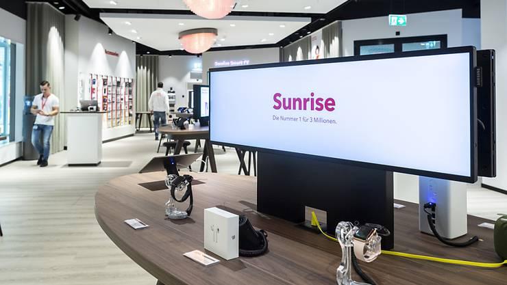 Nachdem letztes Jahr die Übernahme des Kabelnetzbetreibers UPC geplatzt ist, weist der Telekomkonzern Sunrise für das Geschäftsjahr nun einen Jahresgewinn aus, der deutlich unter dem Vorjahr liegt. (Archivbild)