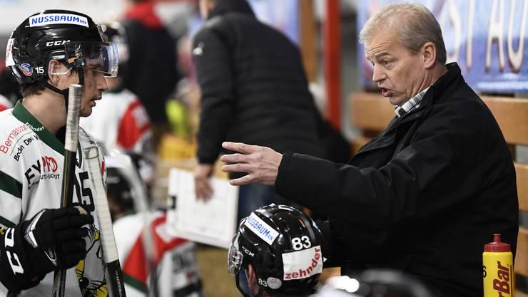Spricht mit seinen Spielern lieber auf der Bank als während eines Time-outs: Bengt-Ake Gustafsson