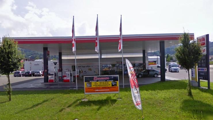 Die betroffene Tankstelle in Spreitenbach