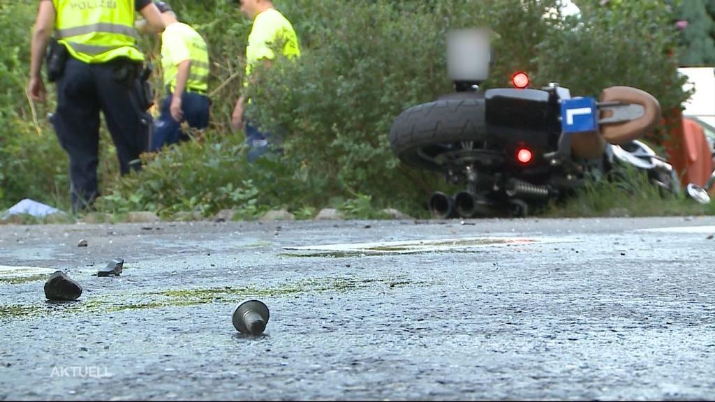 Motorradfahrer stirbt nach einer Frontalkollision in Dottikon