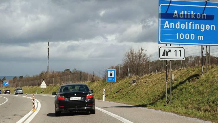 Die Pflege der Grünräume entlang der Nationalstrassen kostet jedes Jahr rund 35 Millionen Franken. (Archivbild)