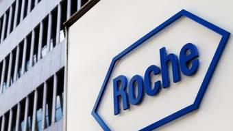 Roche-Logo in Basel (Archiv)