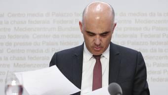 Als Innenminister steht Alain Berset besonders im Fokus – am Freitag traten gleich vier Bundesratsmitglieder in Bern vor die Medien. (Archivbild)