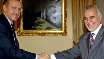 Tarik al-Haschemi (r.) und Recep Tayyip Erdogan im Jahr 2007