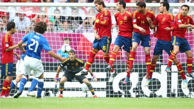 Spanien strebt gegen das erfrischend auftretende Italien die Premiere eines Titelhattricks an. Foto: imago