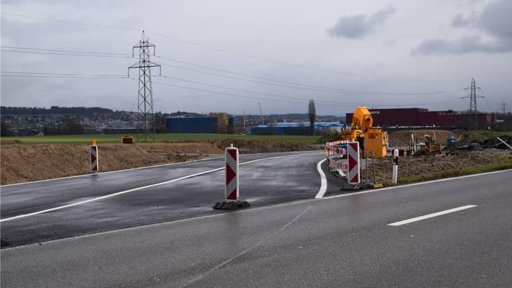 Verkehrsbelastung nicht gewachsen: Provisorische Umfahrung an Bünztalstrasse. to