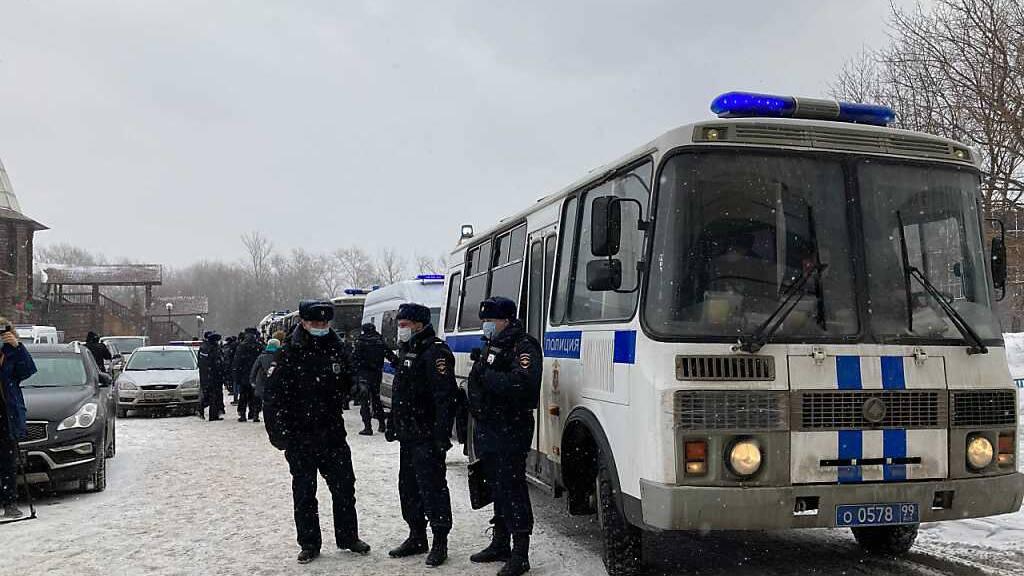 Polizeirazzia und Festnahmen bei Oppositionsforum in Moskau